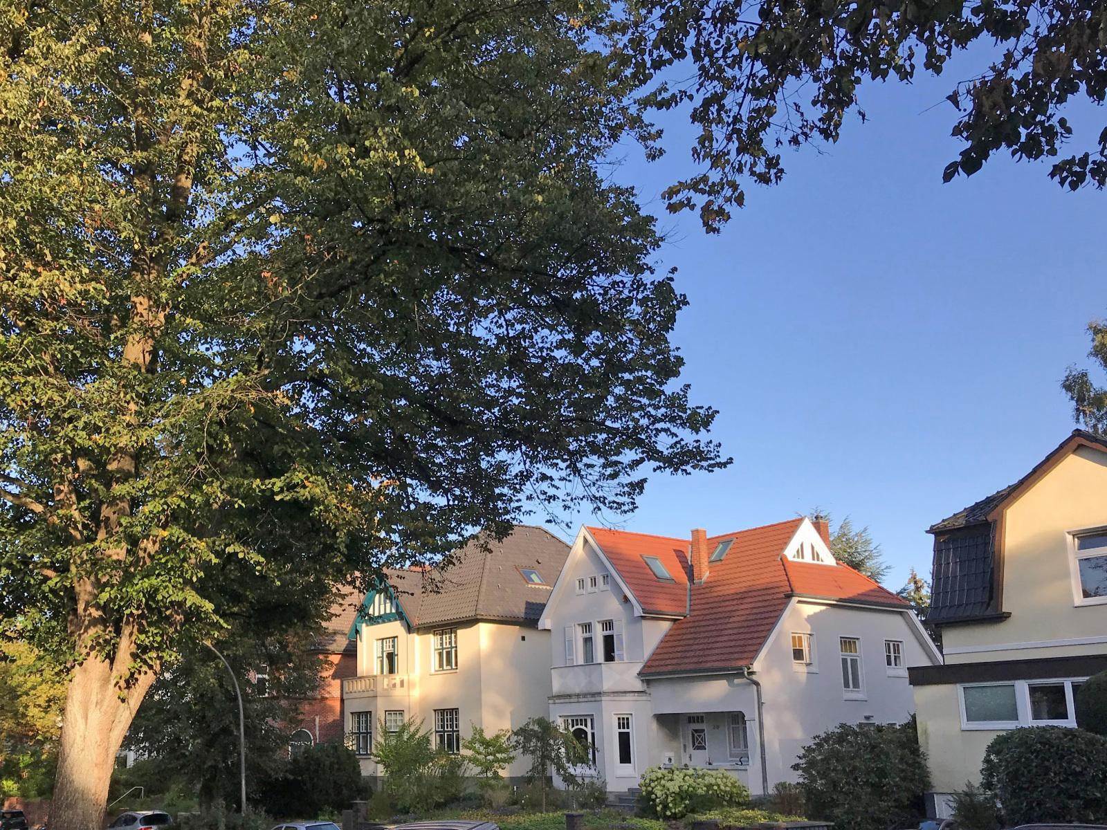 hamburg fuhlsbuettel wacholderweg villa