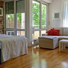 Referenzobjekt6-Wohnbereich-auf-Balkonzugang
