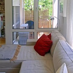 Referenzobjekt6-Wohnbereich-mit-Balkon-nah
